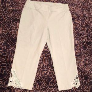 Attyre size 14P MINT GREEN Capri pants